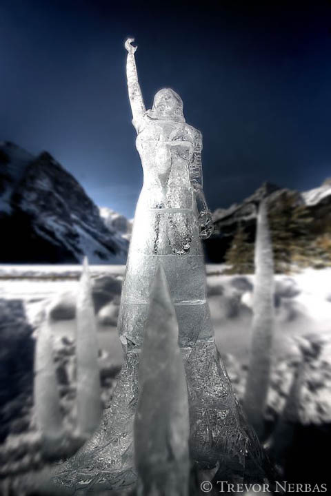 ice-sculpture-princess-lake-louise