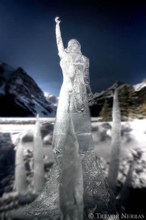 ice-sculpture-princess-lake-louise
